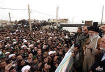 فیلم/ حواشی حضور رهبر انقلاب در مناطق زلزله زده کرمانشاه